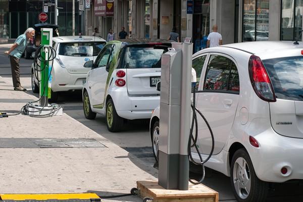 España coste carga coches eléctricos