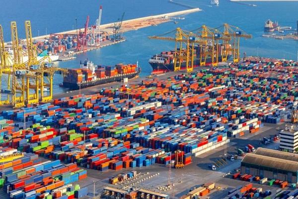 Puerto de Barcelona mejora el tráfico de contenedores en primer semestre