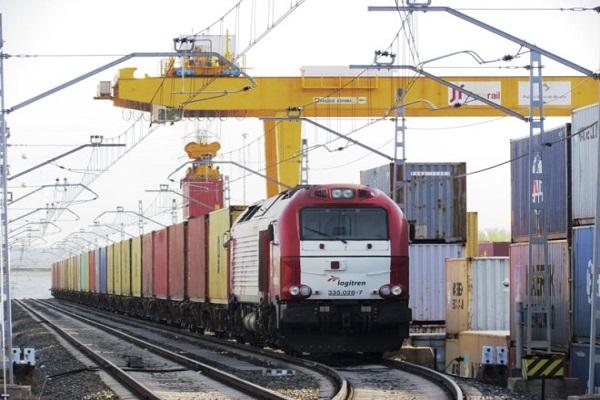 Puerto de Valencia gestiona su propio servicio ferroviario desde julio