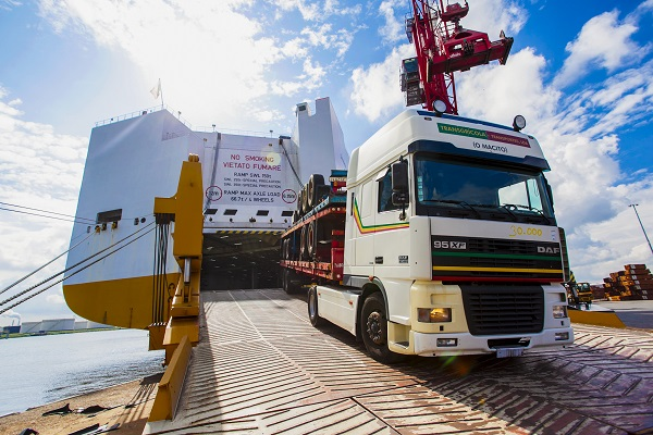 Puertos españoles aumentan 6% el tránsito ro-ro en mayo