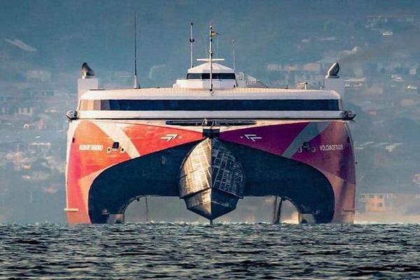 Fast Ferry Volcán de Tagoro une los puertos canarios en 90 minutos