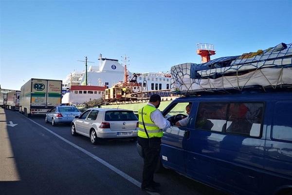 Puerto de Almería canaliza casi 12.000 viajeros en un día
