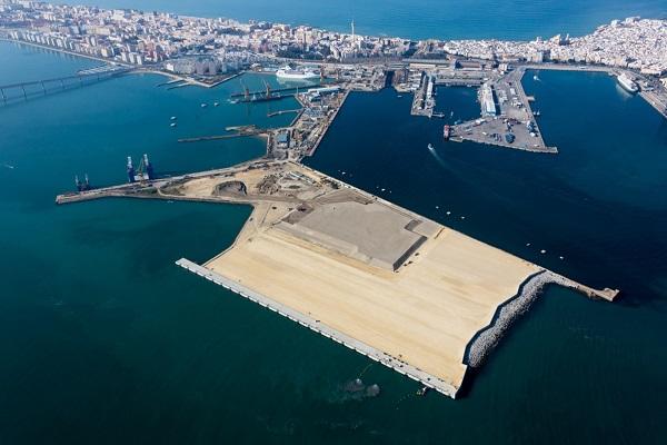 Puerto de Cádiz comienza la urbanización de su nueva terminal de contenedores