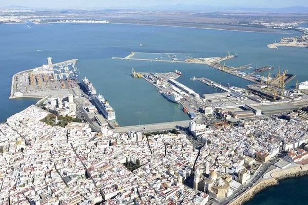 Puerto de Cádiz sopesa la situación ambiental de las instalaciones portuarias