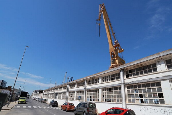 Puerto de Huelva otorga obras de demolición de la nave astilleros
