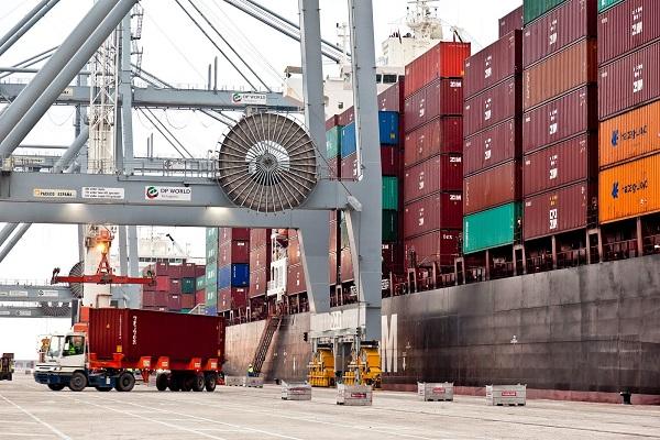 Puerto de Tarragona mejora un 4,9% los tráficos hasta julio