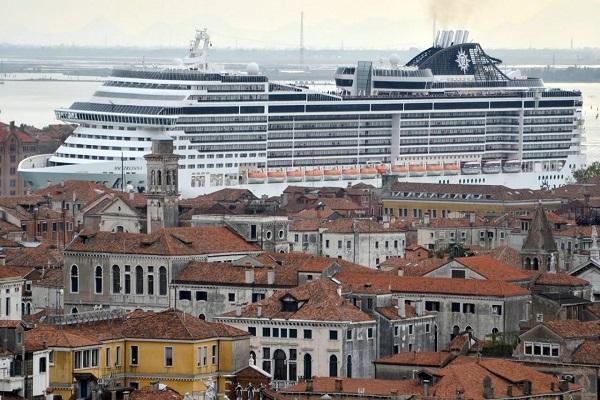 Puerto de Venecia busca alternativa para recibir cruceros sin pasar por Canal de Giudecca