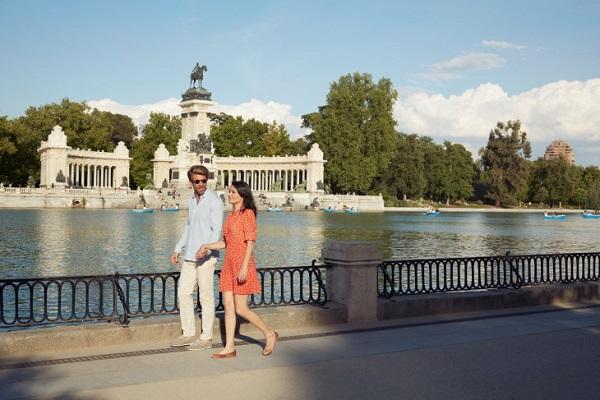 Iberia stopover Hola Madrid