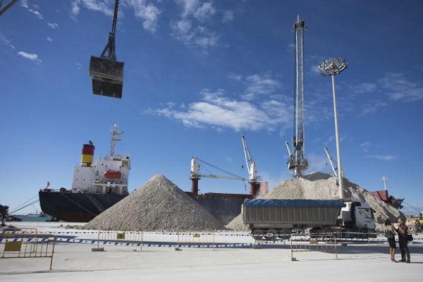 Puerto de Castellón abrirá nuevo recinto para graneles sólidos en dársena sur