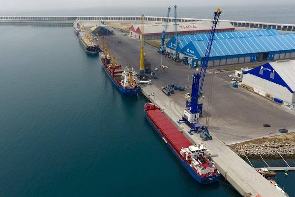 Puerto de La Coruña manipula 80.000 toneladas de mercancías en un día