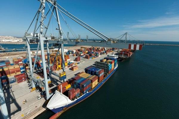 Puerto de Tarragona aumenta un 6,5% el movimiento de graneles líquidos en agosto