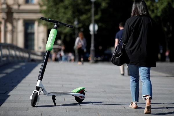 Francia patinetes eléctricos
