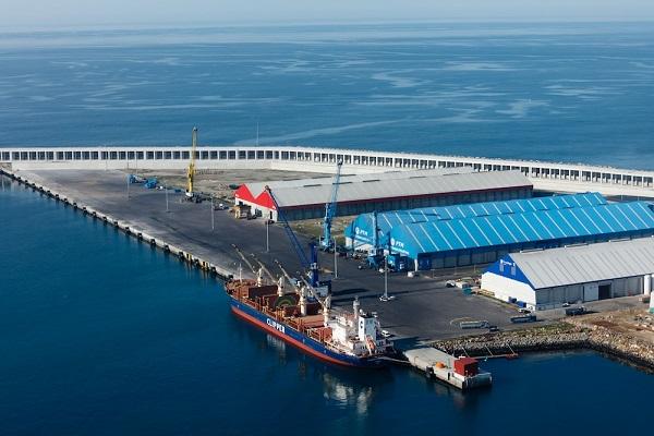 Puerto La Coruña otorga la explotación de nueva terminal de graneles líquidos