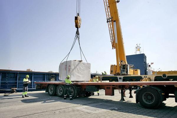Puerto de Almería mejora su tráfico de mármol con Macael