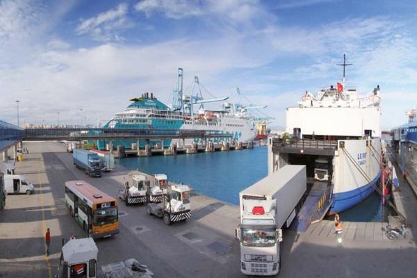 Puerto de La Coruña podría instalar nueva línea ro-ro con Reino Unido