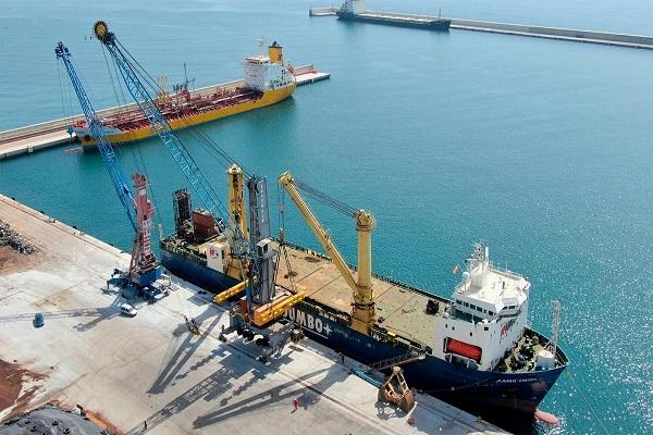 Puerto de Motril adaptará sus instalaciones eléctricas de suministro a buques