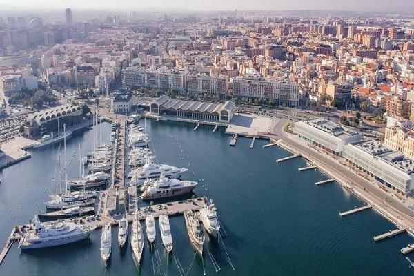 Puerto de Valencia añade mejoras en transporte de contenedores