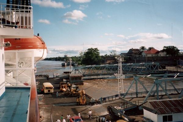 puerto de iquitos peru