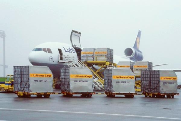 transporte aereo de cargas