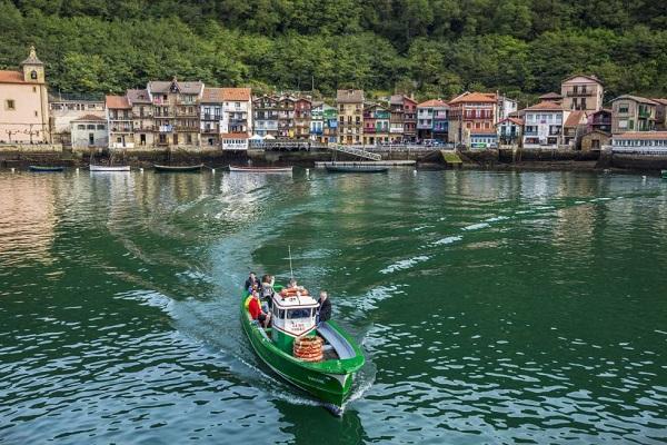 Puerto de Pasajes tomará cartas para mejorar condiciones del acceso nocturno al canal