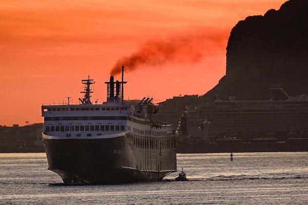 Puertos españoles impiden la entrada del buque Morocco Sun por emisiones contaminantes