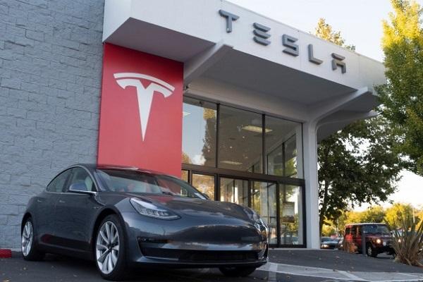 Tesla reserva coches