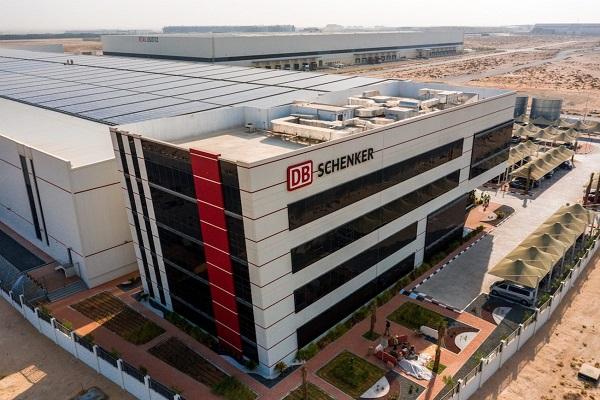 DB Shenker cuenta con su propia plataforma logística alimentada por energía solar