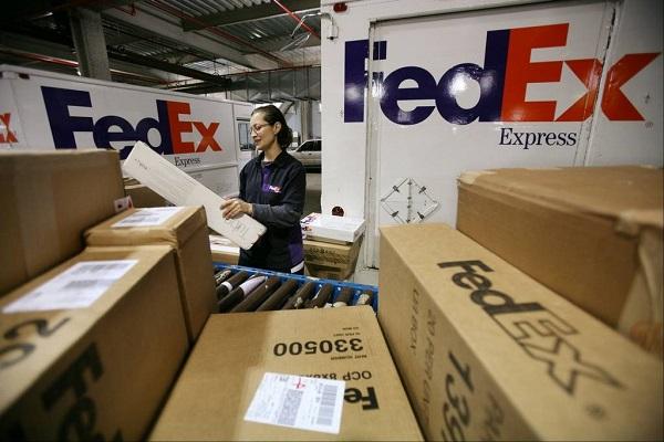FedEx estima batir récord en movimiento de paquetes durante Cyber Monday
