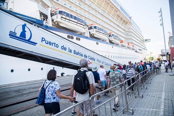 Puerto de Cádiz acogerá 322 escalas de crucero en 2020