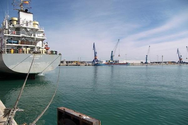 Puerto de Castellón reducirá las tasas de buque y de la mercancía