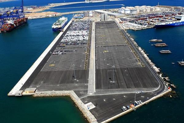 Puerto de Valencia desalojará superficie portuaria en la zona norte