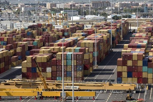 Puerto de Valencia podría pedir impuestos a mercancías no respetables con medioambiente