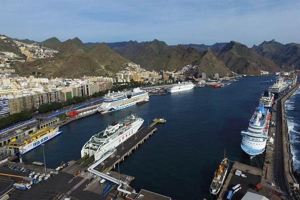 Puertos de Tenerife, Málaga y Tánger colaborarán para mejorar turismo de cruceros
