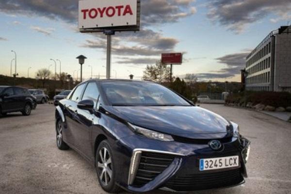 Toyota vehículo eléctrico de hidrógeno