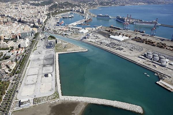 Puerto de Málaga otorga la pavimentación de nueva área de depósito