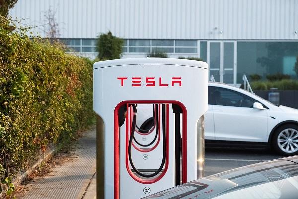 Tesla Supercharger precio
