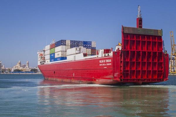 Trasmediterránea fortalece la conexión entre Cádiz y Canarias con nueva embarcación