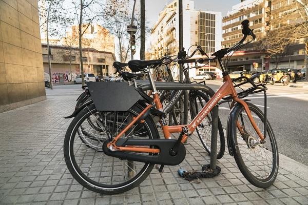 Barcelona licencias motos bicis compartidas