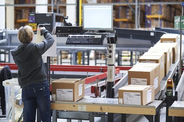 Canal online de alimentación basa su funcionamiento en uso de microalmacenes automatizados