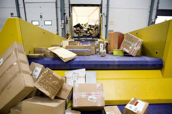 Correos canaliza una media de once millones de paquetes mensuales durante 2019