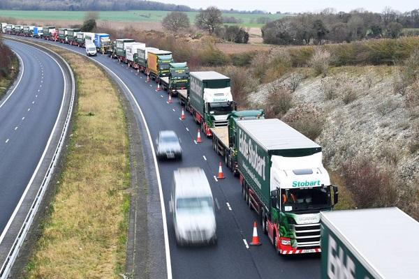 Reino Unido realizará controles fronterizos de importación en productos europeos