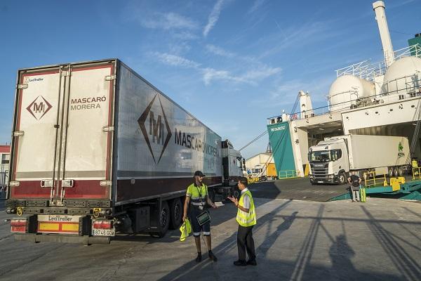 Baleària y Fred Olsen aseguran la continuidad del transporte de mercancías a Canarias