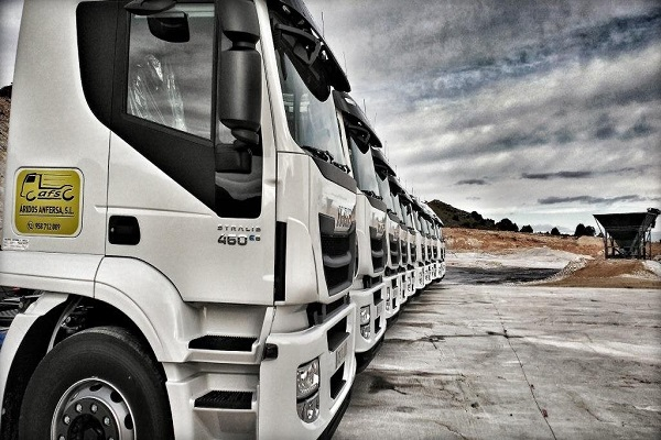 Puerto de Huelva recibe petición de Áridos Anfersa para ocupar almacén de graneles
