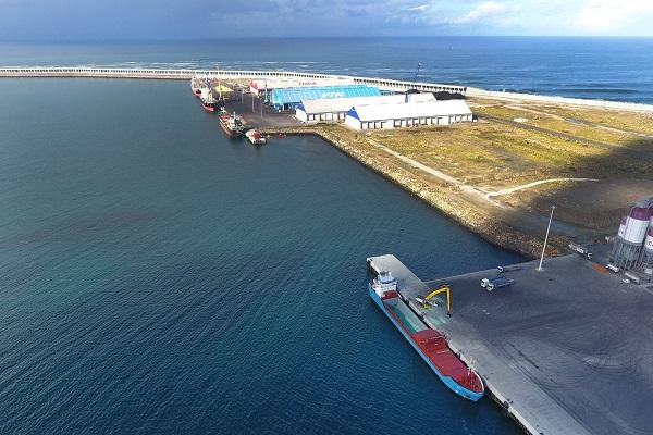 Puerto de La Coruña busca maneras de reducir el impacto de la crisis sanitaria