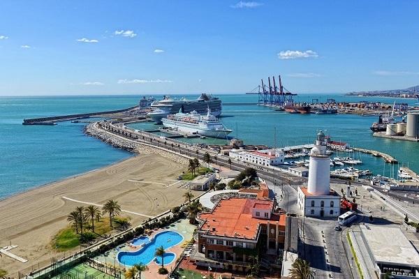 Puerto de Málaga acogerá doce buques a finales de marzo
