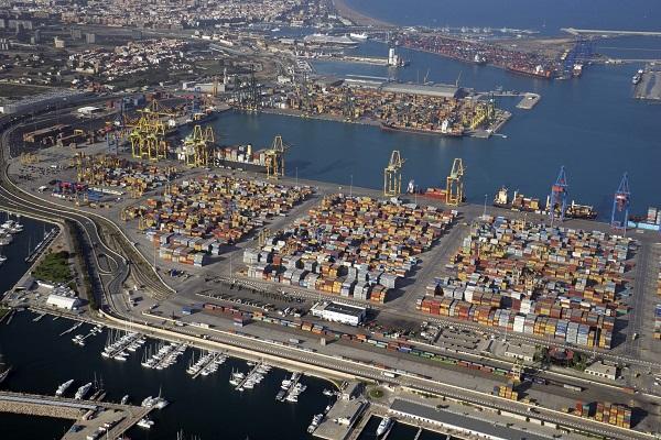 Puerto de Valencia mejora los tráficos en febrero