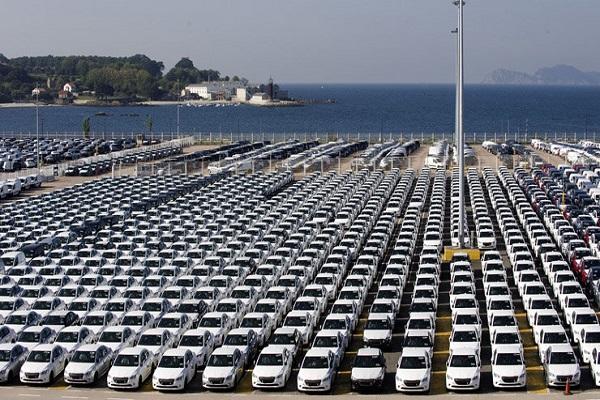Puerto de Vigo aumenta el movimiento de automóviles y graneles en enero