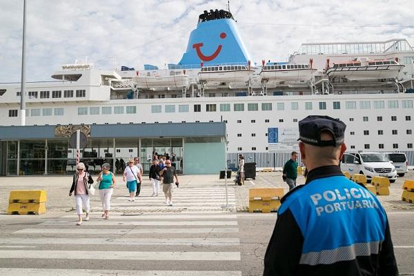 Puertos del Estado extrema las medidas de control sobre personal de recintos