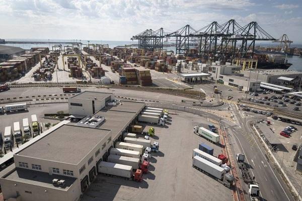 Valenciaport proyectará medidas para disminuir impacto ambiental del transporte portuario
