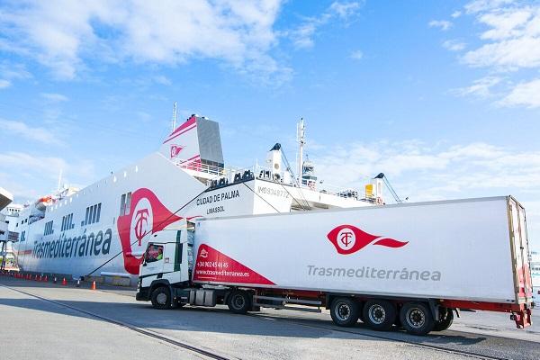 Armas Trasmediterránea traslada más de 13.000 camiones durante estado de alarma